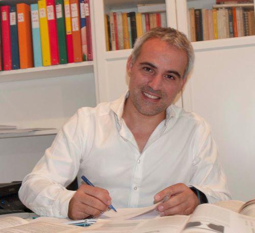 Dr. Simone Pernigo